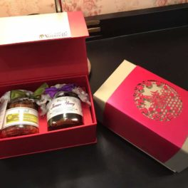 Farm Naturelle- Stunningly Beautiful Corporate  Gifts Box (any 250 Gms x 2 Varieties) of Raw Honey with Honey Designer Carry Bag-