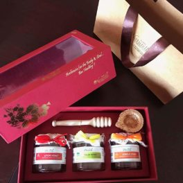 Farm Naturelle- Stunningly Beautiful Corporate  Gifts Box (250 Gms x 3 Varieties) of Raw Honey with Honey Dipper-with Designer Carry Bag-Wine color box