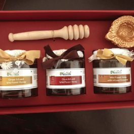 Farm Naturelle-Stunningly Beautiful Corporate  Gift box (250 Gms x 3 Varieties) of Infused (Ginger, Cinnamon and Clove) Raw Honey with Honey Dipper-with Designer Carry Bag-Wine color box